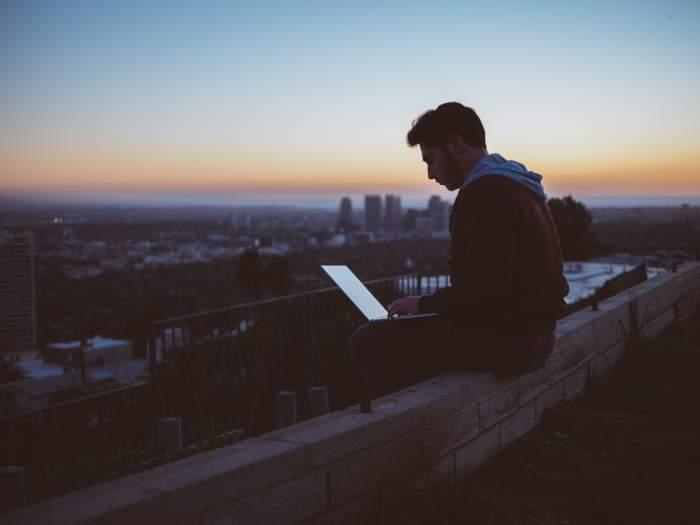 Web業界への就職・転職が未経験でも可能な理由【人材不足】