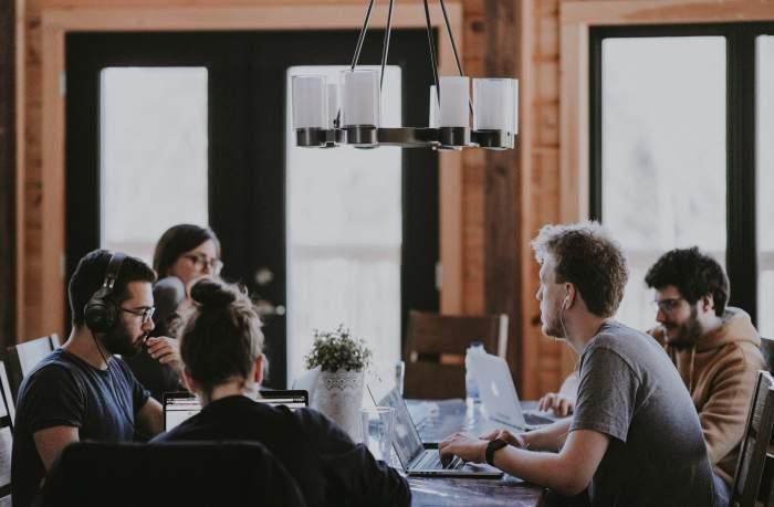 Webマーケティング独学ではなく、Webマーケ会社に入って実践学習することもおすすめ【条件あり】
