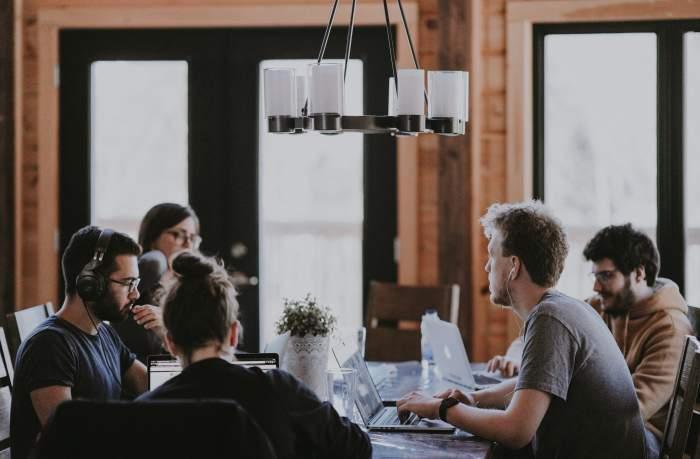 営業からエンジニア・プログラマー転職する人は急増中
