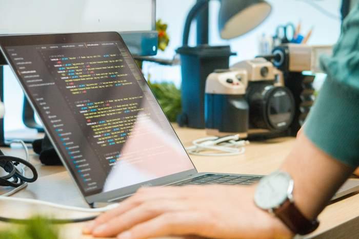 【体験談あり】地方在住者が本当に選ぶべきプログラミングスクール4選